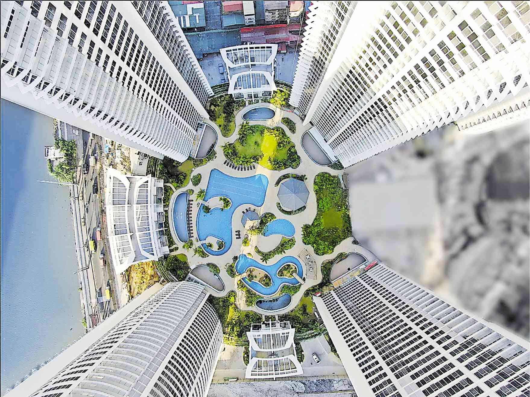 Proscenium   Pool Aerial view